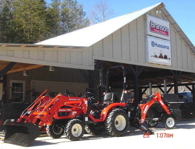 24 Hp 4 4 Branson Tractor And Backhoe For Sale Reed And Reed Sales